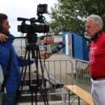Tom Brand beim Interview mit der ARD