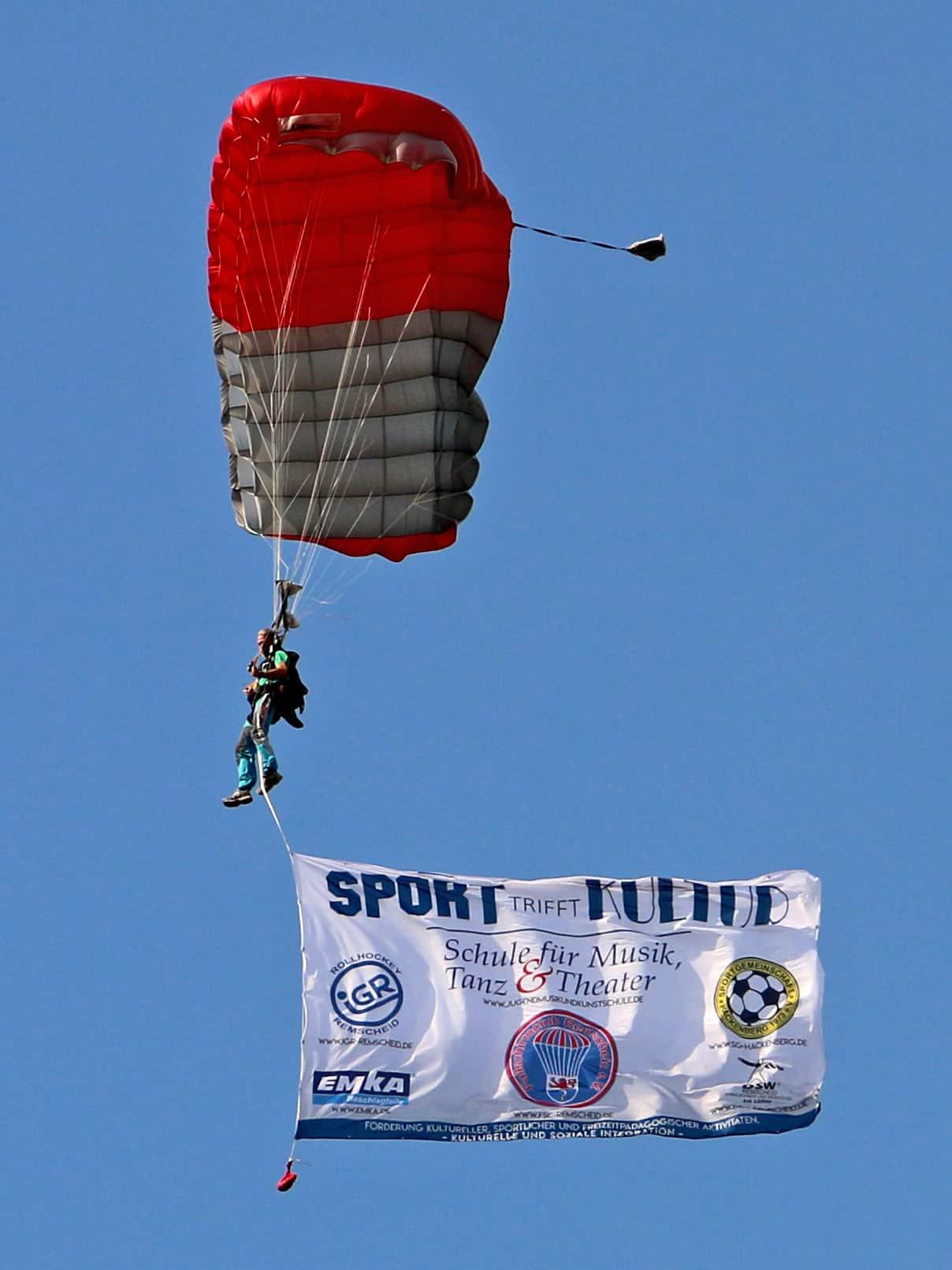 Unsere Veranstaltungsflagge, geflogen von Harry Koska aus Calden