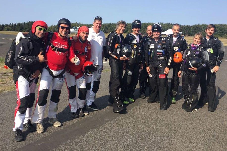 Unser CF-Team Airstep Remscheid, gemeinsam im selben Lift mit dem Freifall-Achter um Dr. Uli Sehrbrock, Dr. Steffen Schiedek, Dr. Olaf Biedermann vom FSC Remscheid