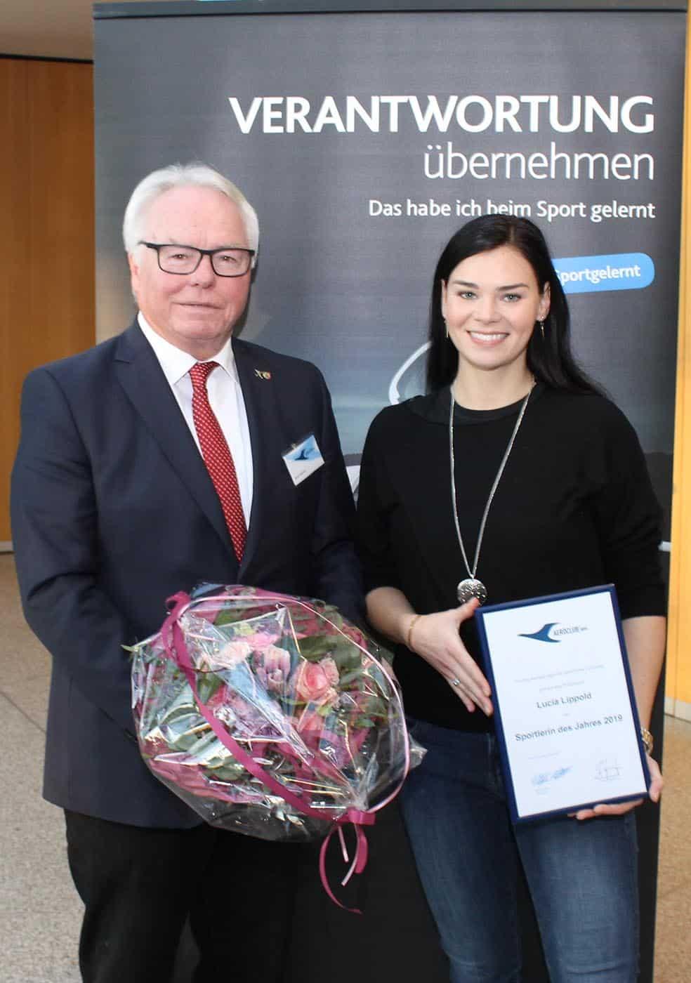Präsident FSC Remscheid Klaus F.H.Mathies und Lucia Lippold Sportlerin des Jahres 2019
